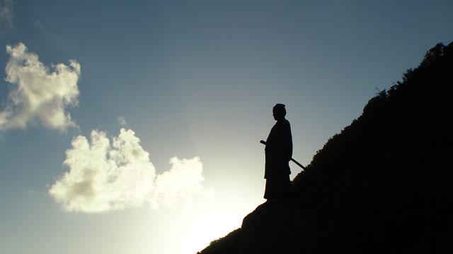 太平洋を臨む中岡慎太郎先生