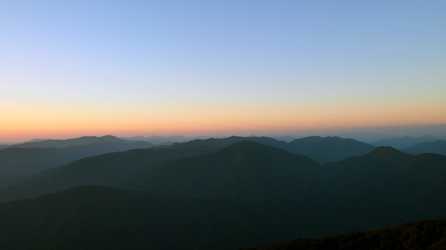 夕刻の山々
